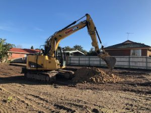 11 tonne excavator onsite
