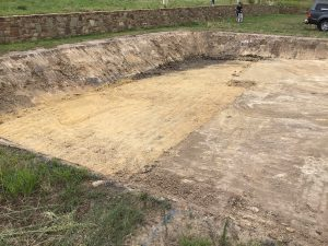 Site cuts melbourne with steep batters
